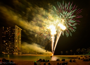 Friday Night Fireworks - Hilton Hawaiian Village, Oah'u