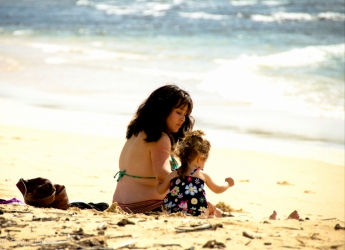 Mom and Daughter, North Shore, Oahu