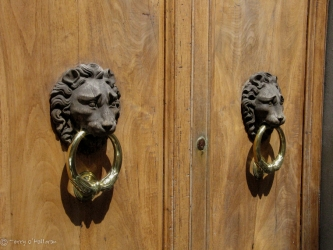 Set of Knockers
